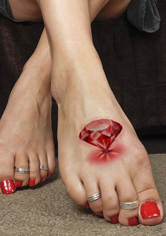 Red 3D diamond tattoo