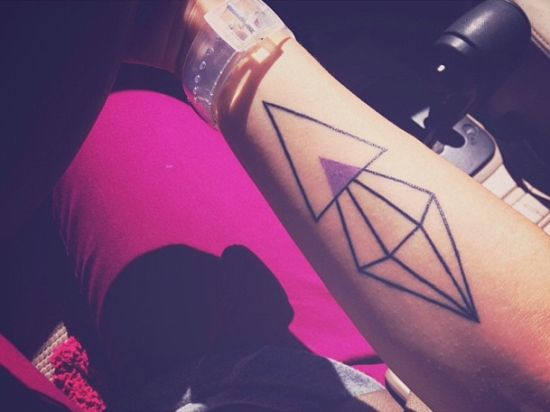 hand diamond tattoo