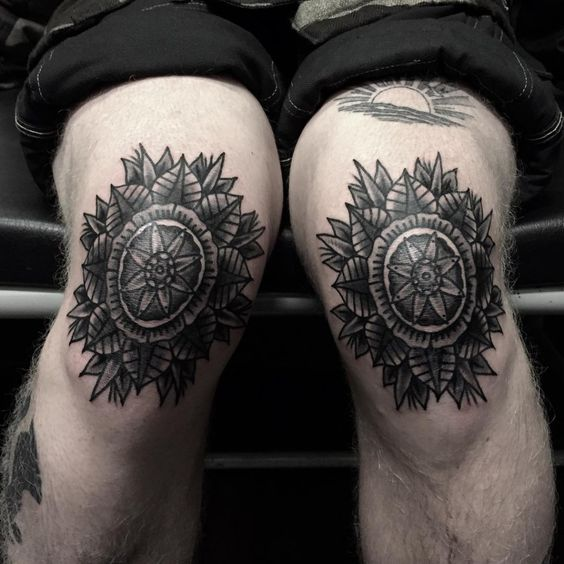 34 Remarkable Knee Tattoo Designs