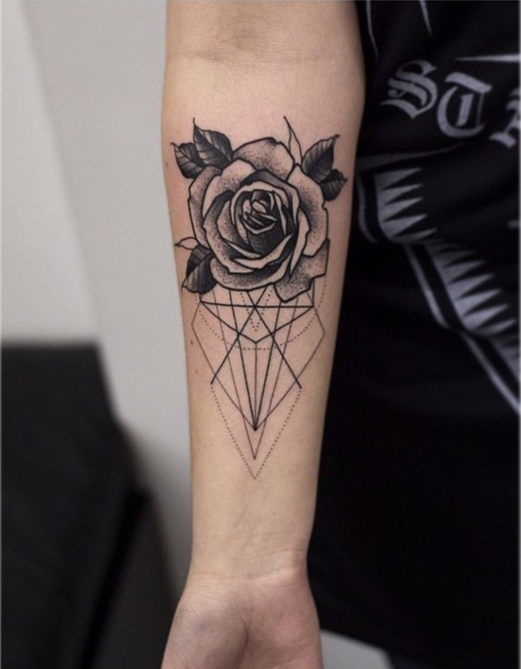 32 Absolutely Gorgeous Geometric Rose Tattoo | Amazing Tattoo Ideas