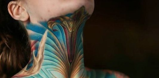 Color Illusion Pattern Neck Tattoo