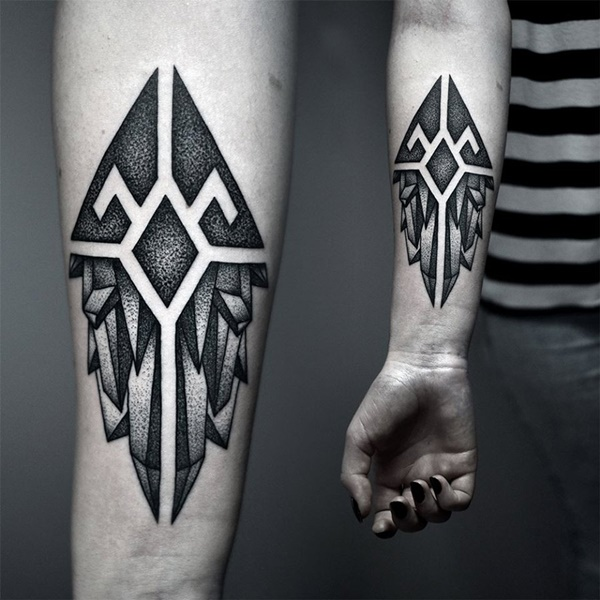 Howling Wolf Geometry Tattoo
