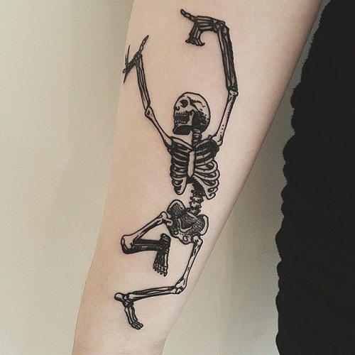 30 awesome skeleton tattoos amazing tattoo ideas. Black Bedroom Furniture Sets. Home Design Ideas