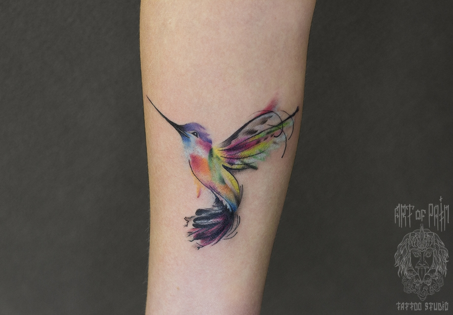 7c58c87f9caf8 38 Noticeable Hummingbird Tattoos | Amazing Tattoo Ideas