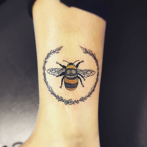 Bee And Wreath Leg Tattoo